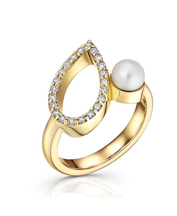 Diamond and pearl ring 18ct gold